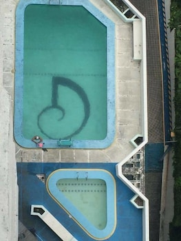Fil Star Airport Guest House - Outdoor Pool  - #0