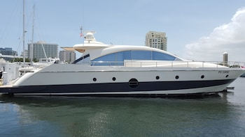 Grey Yacht - All Inclusive