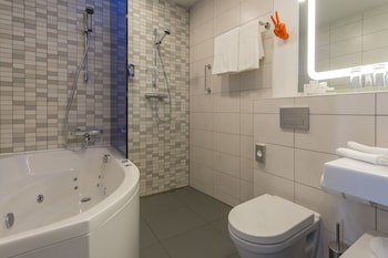 Park Inn by Radisson Residence Riga Barona - Bathroom  - #0