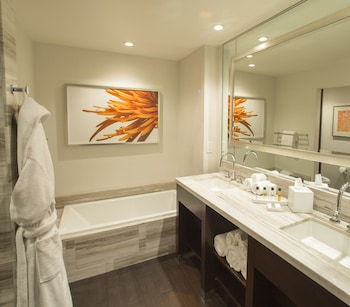 Graton Resort & Casino - Bathroom  - #0
