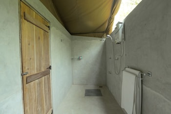 Wilpattu Safari Camp - Campground - Bathroom Shower  - #0