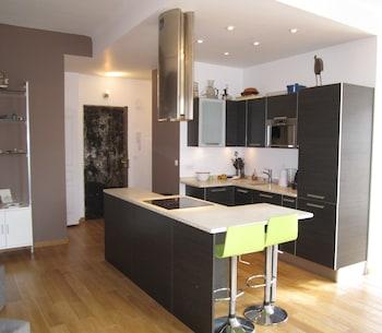 Happy Few - Le Blacas - In-Room Kitchen  - #0
