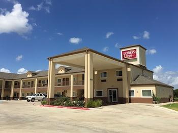 Express Inn in Bay City, Texas