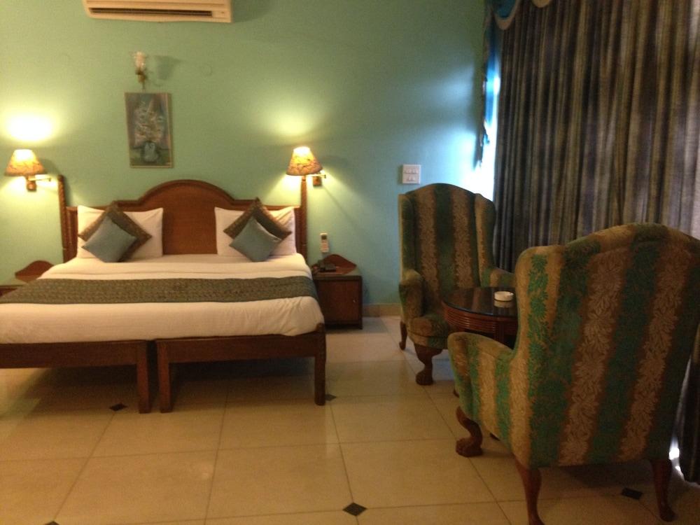 Hotel Lloyd Residency