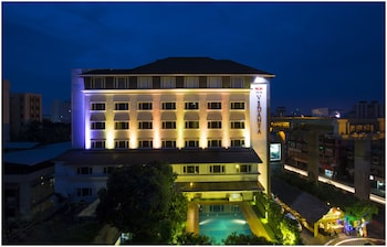 THE PGS VEDANTA COCHIN - Hotel Front - Evening/Night  - #0