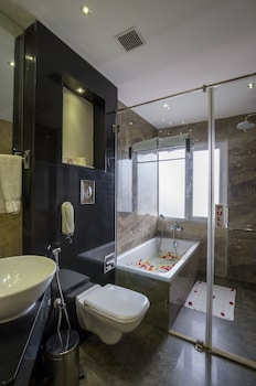 THE PGS VEDANTA COCHIN - Bathroom  - #0