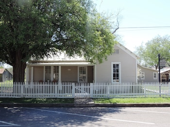 Photo for High Street Guesthouse in Comfort, Texas
