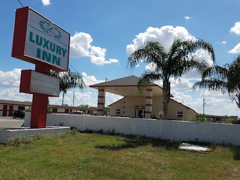 Luxury Inn & RV Park in Kenedy, Texas