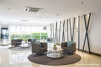 The Concierge at Sea Residences - Lobby Sitting Area  - #0