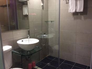 Purple Garden Hotel - Bathroom  - #0