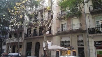 Espai Barcelona Rocafort Apartments - Hotel Front  - #0