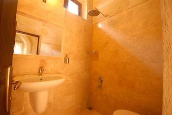 Travellers Cave Pension - Bathroom  - #0