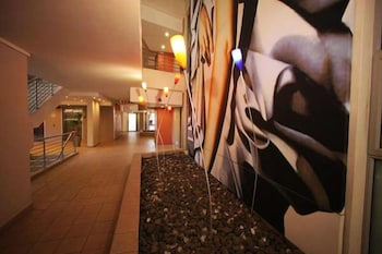 Sandton Apartments Hydro - Hotel Interior  - #0