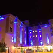 馬爾馬裡斯公園飯店