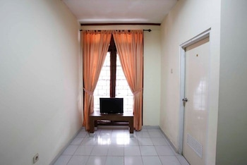RedDoorz @ Mampang 23 - Living Area  - #0