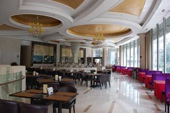 Spring Dream Hotel - Restaurant  - #0