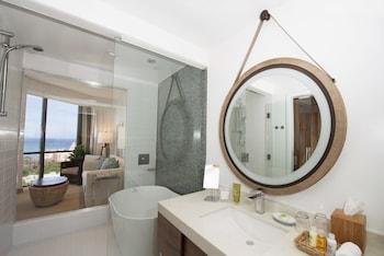 Hyatt Centric Waikiki Beach - Bathroom  - #0