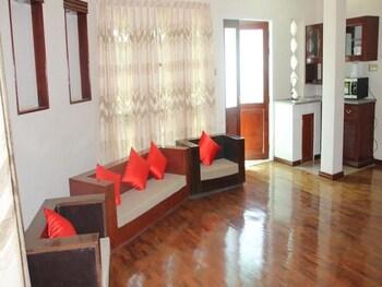 Hsaung Thazin Hotel Pyin Oo Lwin - Lobby  - #0