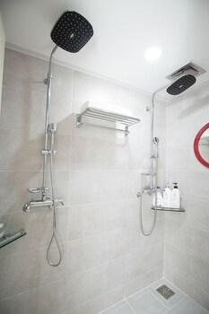 Cheonjiyeon Crystal Hotel - Bathroom Shower  - #0