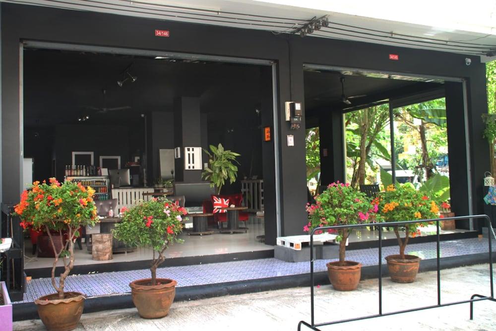 Sweet Hotel Patong