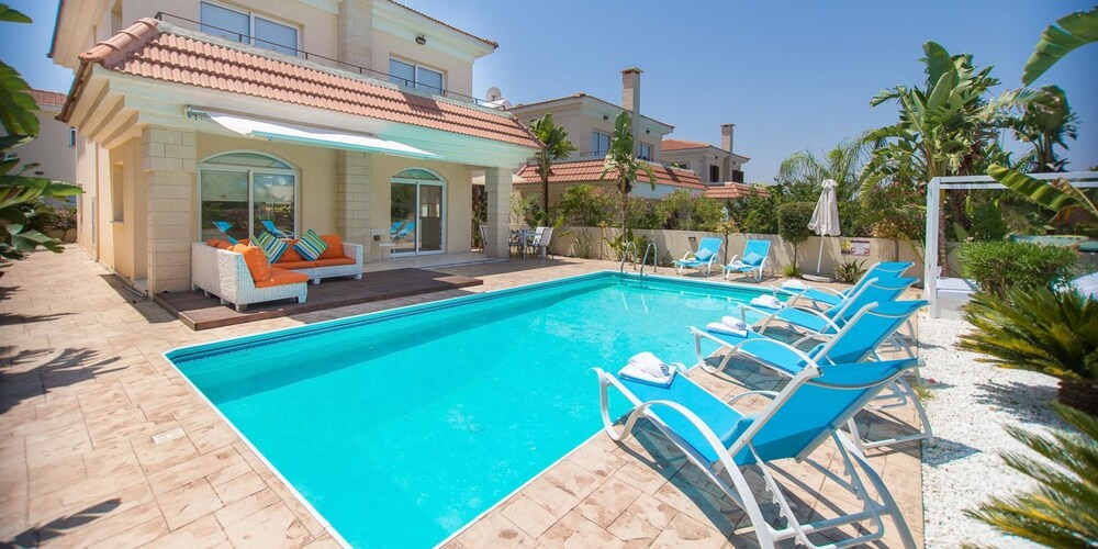 Oceanview Luxury Villa 081