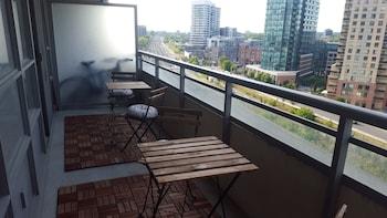 Lavish Suites- New Two Bedroom - Amazing CN Tower View - Balcony  - #0