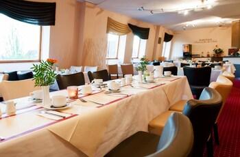 Hotel Stadtfeld - Breakfast Area  - #0