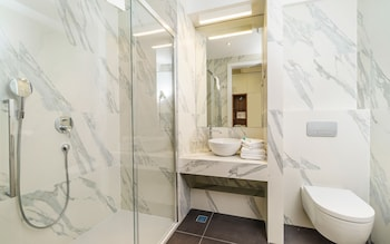 Oasis Life - Bathroom  - #0
