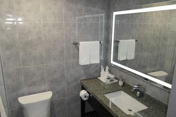 Stars Inn Edmonton Airport - Bathroom  - #0