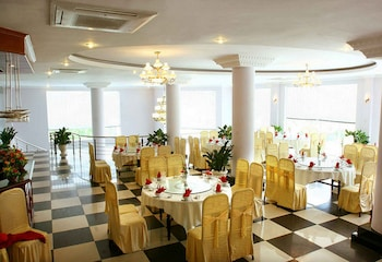 Vietnam Trade Union Hotel in Halong - Banquet Hall  - #0