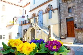 Photo for Relais il Castello in Monte Castello di Vibio