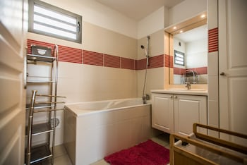 Appartement Le Lagon Suffren - Bathroom  - #0