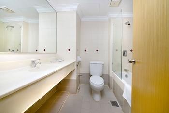 Q Hotel Kuala Lumpur - Bathroom  - #0