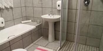 Die Kleipot Guesthouse - Bathroom  - #0