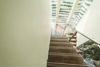 Airy Klojen Brawijaya Telomoyo 1 Malang - Staircase  - #0