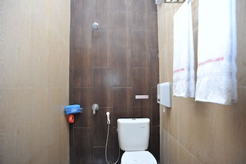 Airy Mataram Cakranegara Sriwijaya 80 Lombok - Bathroom  - #0
