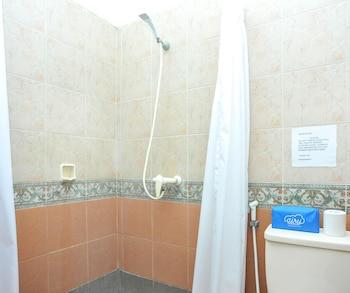 Airy Seminyak Kerobokan Batu Belig 88 Bali - Bathroom  - #0