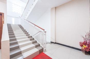 Airy Tatura Emmy Saelan 33 Palu - Staircase  - #0