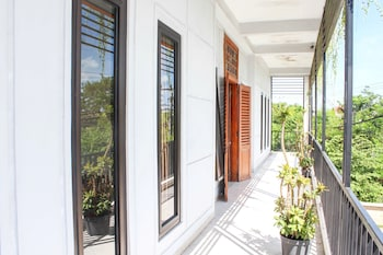 Airy Denpasar Selatan Bypass Ngurah Rai 615 Bali - Balcony  - #0
