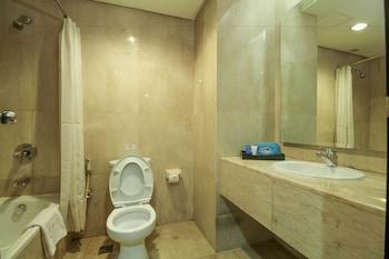 Airy Tambora Bandengan Selatan 88 Jakarta - Bathroom  - #0
