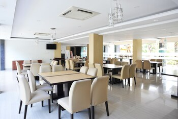 Airy Denpasar Selatan Kerta Dalem Sidakarya Bali - Restaurant  - #0