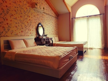 Castle in the Forest - Guestroom  - #0