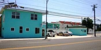 Blue Diamond Motel