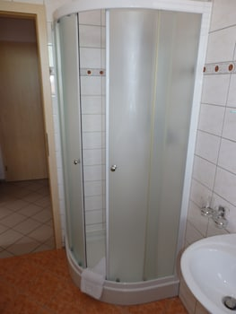 Pension Orbis - Bathroom  - #0