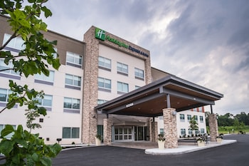 Holiday Inn Express & Suites Kingston-Ulster in Lake Katrine, New York