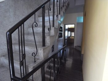 Good Garden Lady's Hostel - Staircase  - #0