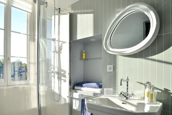 The Suites - Bathroom  - #0