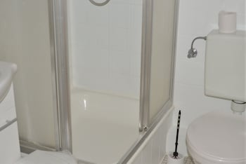 Hotel Hages - Bathroom  - #0