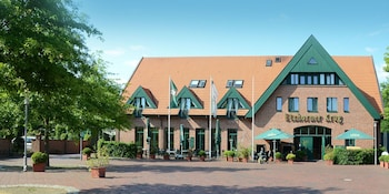 Etzhorner Krug Hotel u. Gaststätten - Featured Image  - #0