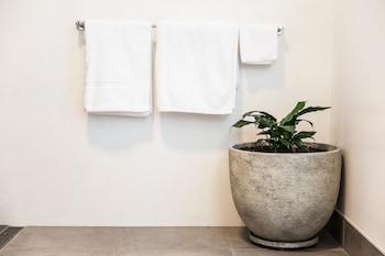 Island Quarters - Bathroom  - #0